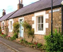 Snaptrip - Last minute cottages - Delightful Maybole Rental S6407 -