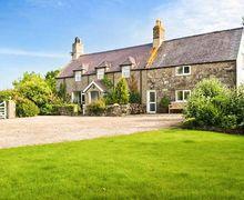 Snaptrip - Last minute cottages - Charming Pwllheli Newydd S6406 -