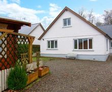Snaptrip - Last minute cottages - Gorgeous Llandysul View S6421 -