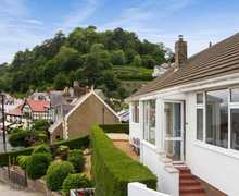 Snaptrip - Last minute cottages - Cosy Llandudno Cottage S6692 -