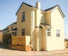 Snaptrip - Last minute cottages - Lovely Ivyleaf Hill Rental S12995 -