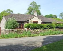 Snaptrip - Last minute cottages - Beautiful Buxton Cottage S6641 -