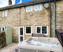 Snaptrip - Last minute cottages - Quaint Hebden Bridge Cottage S4613 -