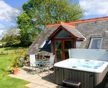 Snaptrip - Last minute cottages - Inviting Ross On Wye Loft S2953 -