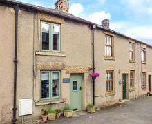 Snaptrip - Last minute cottages - Quaint Tideswell Cottage S9530 -