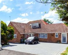 Snaptrip - Last minute cottages - Adorable Bexhill Apartment S9158 -