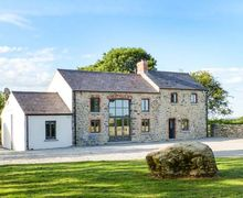 Snaptrip - Last minute cottages - Stunning Limerick Lodge S6931 -