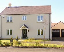 Snaptrip - Last minute cottages - Superb Alderton Cottage S43126 -