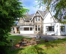 Snaptrip - Last minute cottages - Exquisite Newtonmore Cottage S57378 -