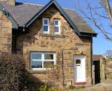 Snaptrip - Last minute cottages - Excellent Lesbury Cottage S9131 -