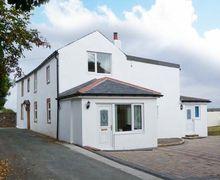 Snaptrip - Last minute cottages - Quaint Bowness On Solway Cottage S12600 -
