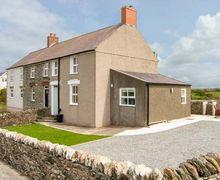 Snaptrip - Last minute cottages - Adorable Llanfaethlu Rental S13450 -