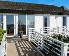 Snaptrip - Last minute cottages - Superb Llanfaelog Rental S12875 -