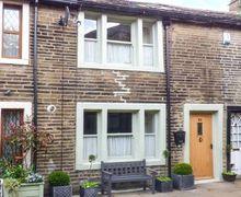 Snaptrip - Last minute cottages - Tasteful Haworth Rental S13419 -