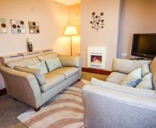 Snaptrip - Last minute cottages - Lovely Allonby Rental S25418 -