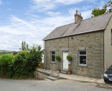 Snaptrip - Last minute cottages - Luxury Newcastle Emlyn  Cottage S37838 -