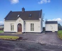 Snaptrip - Last minute cottages - Cosy Letterkenny Cottage S37499 -