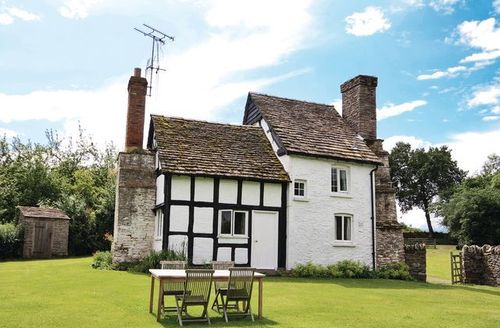 Snaptrip - Last minute cottages - Inviting Kington Cottage S16918 -