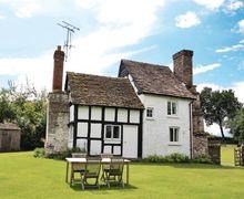 Snaptrip - Last minute cottages - Inviting Kington Cottage S16918 -