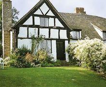 Snaptrip - Last minute cottages - Captivating Kington Cottage S16920 -