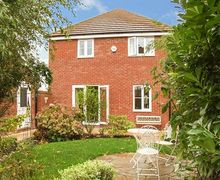 Snaptrip - Last minute cottages - Excellent Evesham Cottage S41109 -