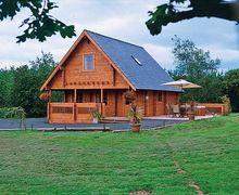 Snaptrip - Last minute cottages - Charming Ledbury Lodge S16932 -