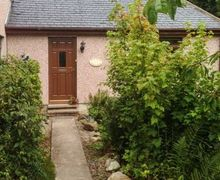 Snaptrip - Last minute cottages - Quaint Drumnadrochit Cottage S75542 -