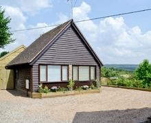 Snaptrip - Last minute cottages - Adorable Ledbury Lodge S16955 -