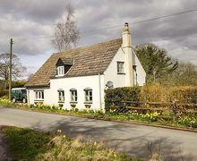 Snaptrip - Last minute cottages - Gorgeous Little Dean Cottage S41313 -