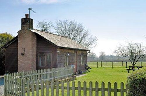 Snaptrip - Last minute cottages - Captivating Leominster Cottage S16962 -