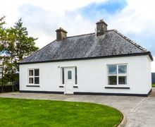 Snaptrip - Last minute cottages - Charming Claremorris Cottage S41373 -