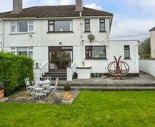 Snaptrip - Last minute cottages - Attractive Castlerea Cottage S42018 -