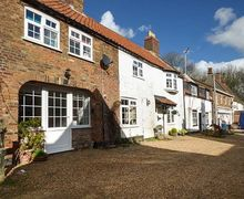 Snaptrip - Last minute cottages - Splendid Wiggenhall St. Germans Cottage S44232 -