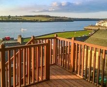 Snaptrip - Last minute cottages - Beautiful Port Dinorwic Cottage S44921 -