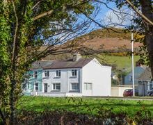 Snaptrip - Last minute cottages - Luxury Llanrhystyd Cottage S45212 -