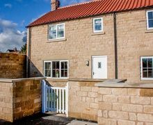 Snaptrip - Last minute cottages - Excellent Helmsley Cottage S45575 -