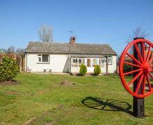 Snaptrip - Last minute cottages - Stunning Bacton Cottage S50361 -