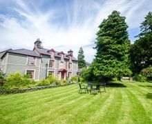 Snaptrip - Last minute cottages - Luxury Llanrwst Cottage S50136 -