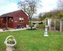 Snaptrip - Last minute cottages - Tasteful Patrington Cottage S49648 -
