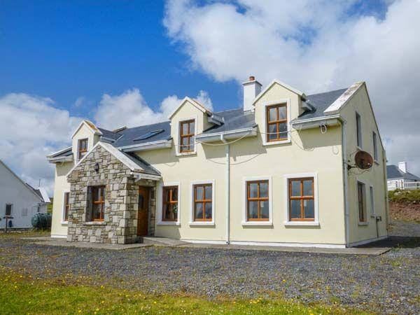 Charming Westport Cottage Photo 1
