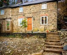 Snaptrip - Last minute cottages - Stunning Commins Coch Cottage S45044 -