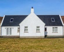 Snaptrip - Last minute cottages - Charming Portree Cottage S45581 -