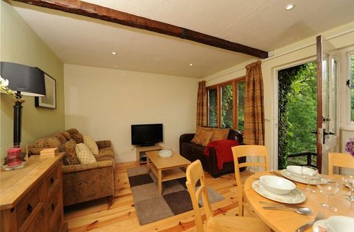Snaptrip - Last minute cottages - Inviting Lynmouth Cottage S1430 - Living area