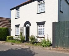 Snaptrip - Last minute cottages - Inviting Brundall Cottage S17068 -