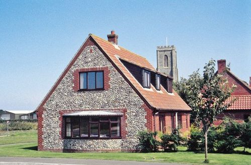 Snaptrip - Last minute cottages - Tasteful Cromer Cottage S17071 -