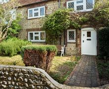 Snaptrip - Last minute cottages - Lovely Selsey Cottage S60536 -