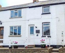 Snaptrip - Last minute cottages - Quaint Guston Cottage S72584 -