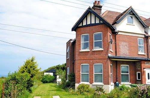 Snaptrip - Last minute cottages - Excellent Cromer Apartment S17102 -
