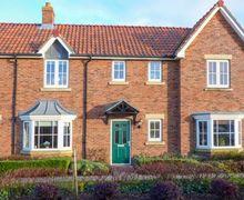 Snaptrip - Last minute cottages - Wonderful Hunmanby Gap Cottage S73349 -