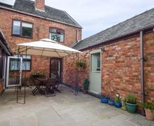 Snaptrip - Last minute cottages - Wonderful Overseal Cottage S70151 -